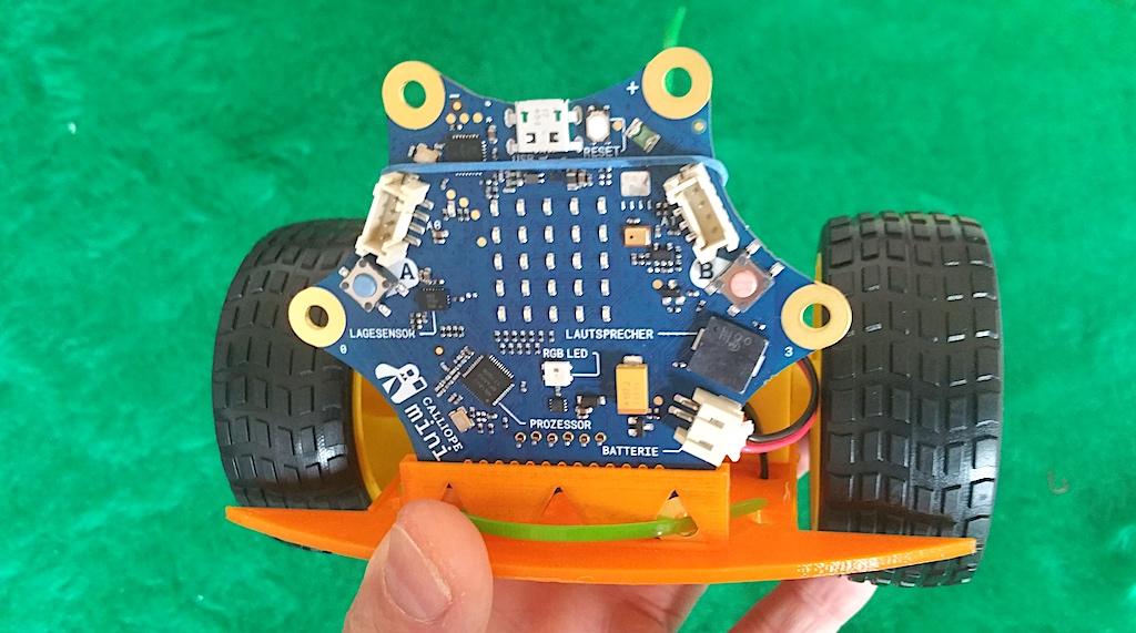 Callibot. Roboterplattform für den werkzeuglosen Aufbau mit dem Calliope Mini.