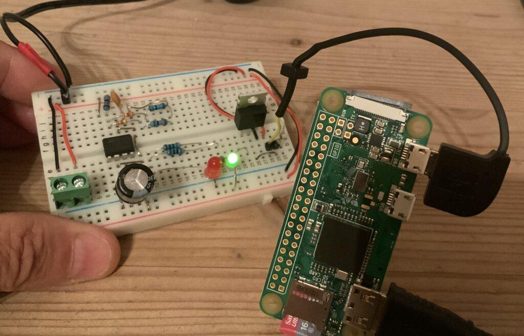 Prototyp der zeitgesteuerten Energieversorgung für den Raspberry Pi Zero im Akku-Betrieb